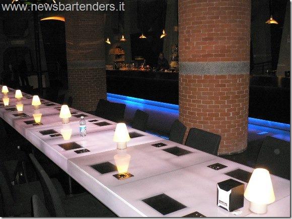 Bar con Liste Tablet incorporato nel tavolo