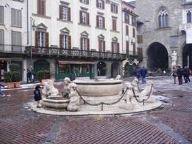 Bergamo Piazza Vecchia, Città Alta5