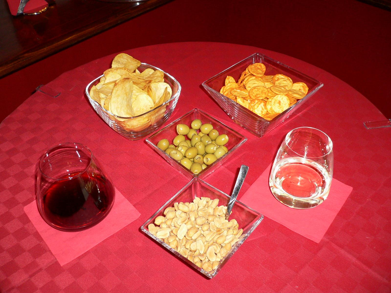 Bicchieri Vino senza stelo 007.jpg