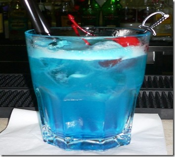 Cocktail Angelo Azzurro on the rocks (2)