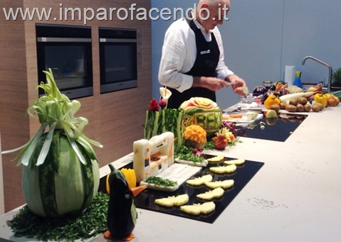 Fruit Carving Fiera Mobile 2014 MI stand BEKO 2