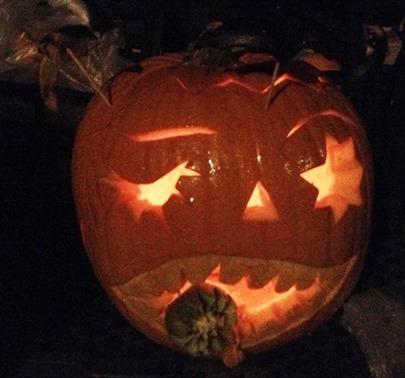 Fruit Carving Halloween Il mostro mangiatutto illuminato