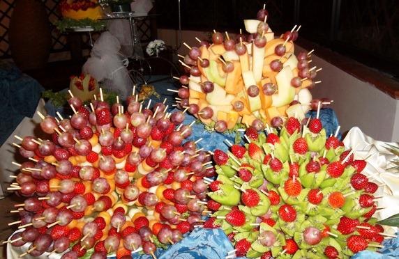 Decorazioni Buffet Frutta : Presentazione frutta in spiedini newsbartenders.it