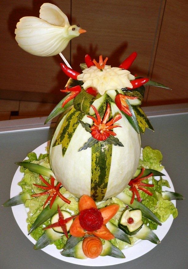 Fruit Carving UOVO DI PASQUA melone buccia verde