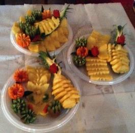Fruit Carving durante Corso Piatto Ananas