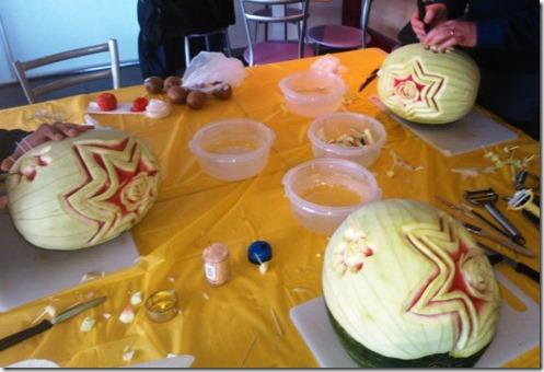 Fruit Carving durante corso Fiori su Anguria1