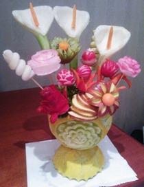 Fruit Carving durante il corso vaso fiori