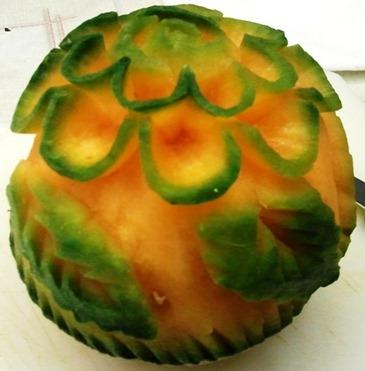 Continua corso fruit carving. Intagli frutta e verdura. www.imparofacendo.it