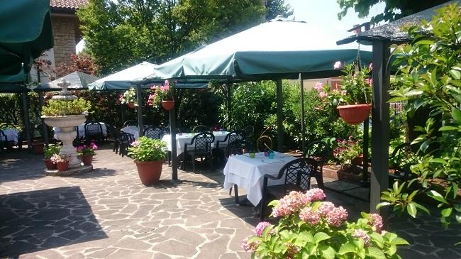 Giardino ristorante 2016.1jpg