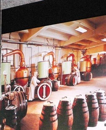 Liquore Chartreuse alambicchi