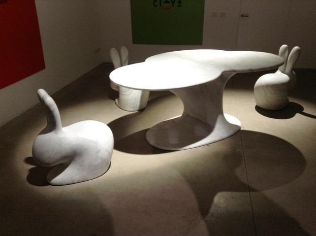 Tavolo in marmo di Stefano giovannoni