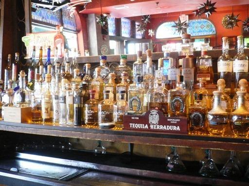 Tequila esposizione in Bar Messicano in Miami 1