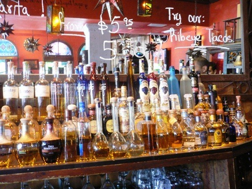 Tequila esposizione in Bar Messicano in Miami 2