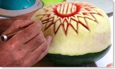 Fruit Carving Anguria Inizio scultura