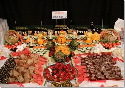 Fruit Carving Buffet con treno