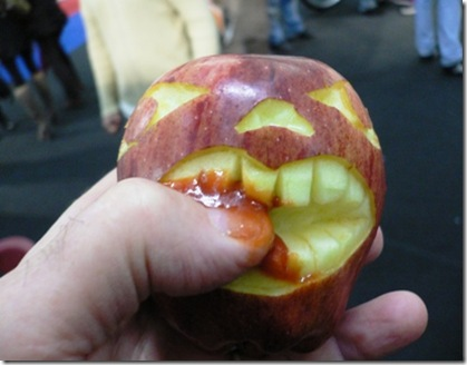 Fruit Carving Morso di mela