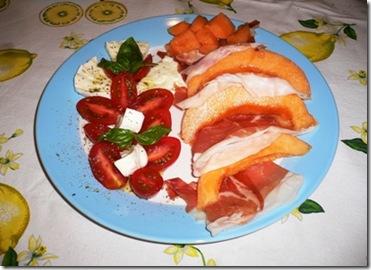 Piatto Crudo melone e caprese 1 r