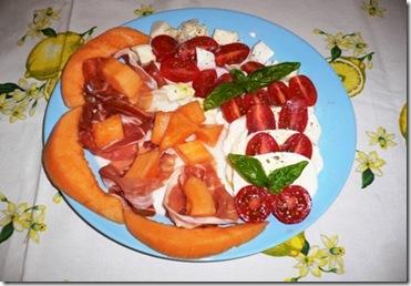 Piatto Crudo melone e caprese 3 r