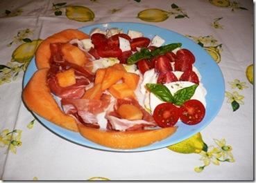 Piatto Crudo melone e caprese r