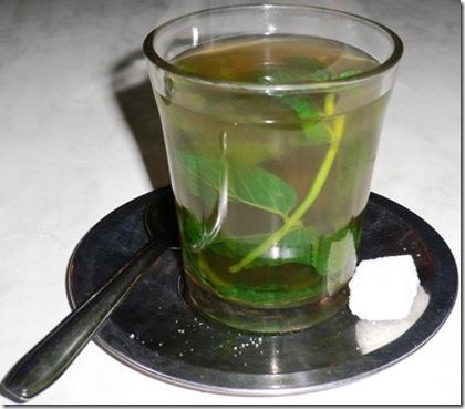 Tè alla menta in Bicchiere